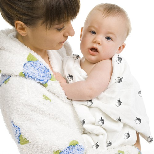 Design a gender-neutral and creative baby blanket for new moms and their babies