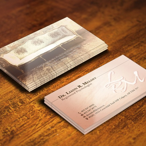 Create a standout business card for a professional psychologist!