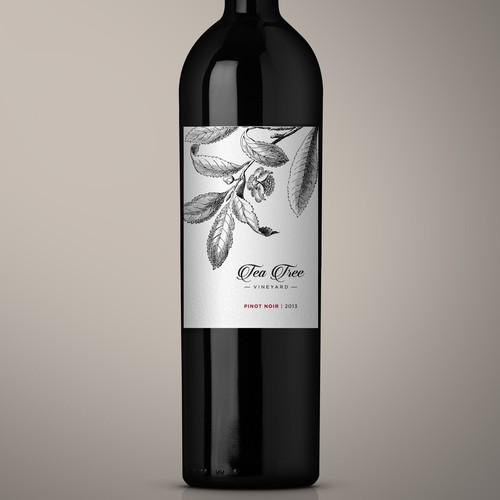 Classy, eyecatching wine bottle label