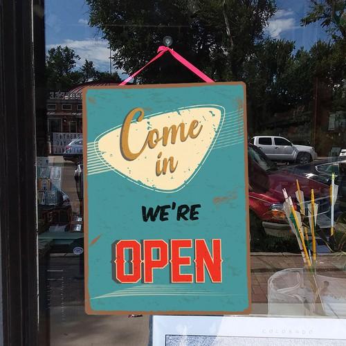 Design Vintage Open/Closed Business Sign