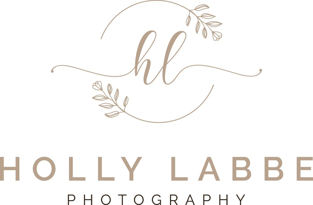 Design an organic wedding photography logo