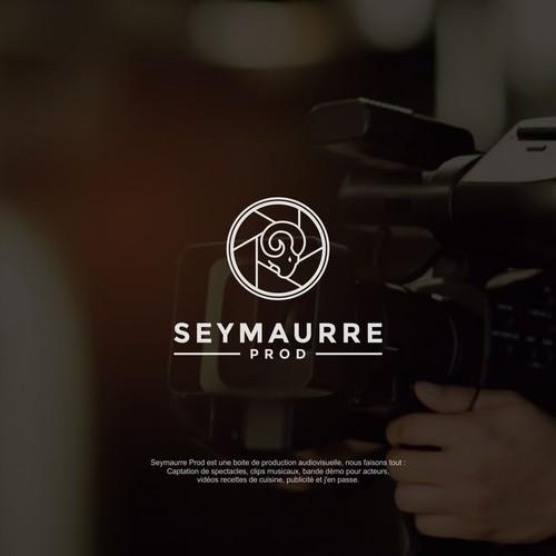 Luxurious logo for Seymaurre Prod.