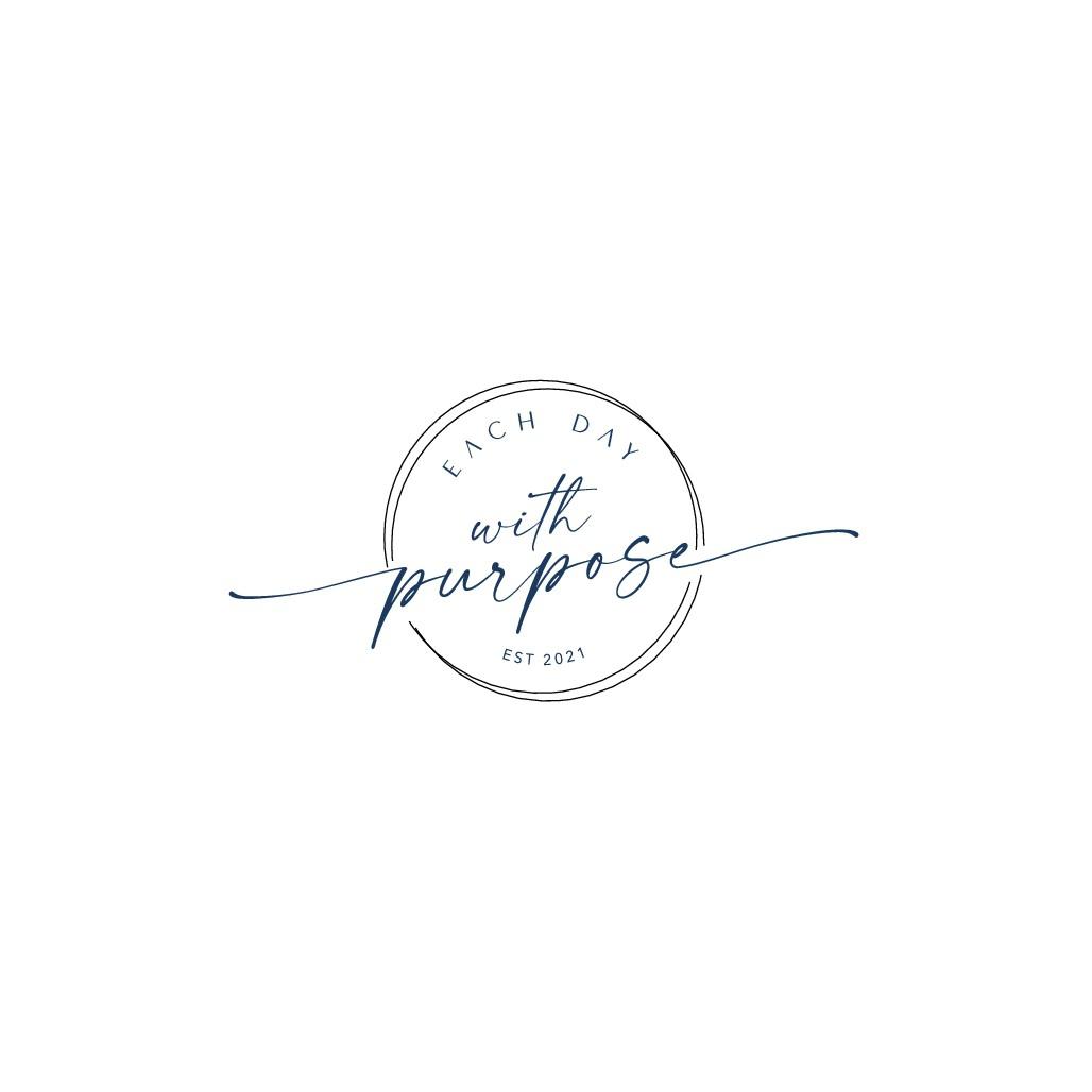Design logo that inspires women to live their dream lives