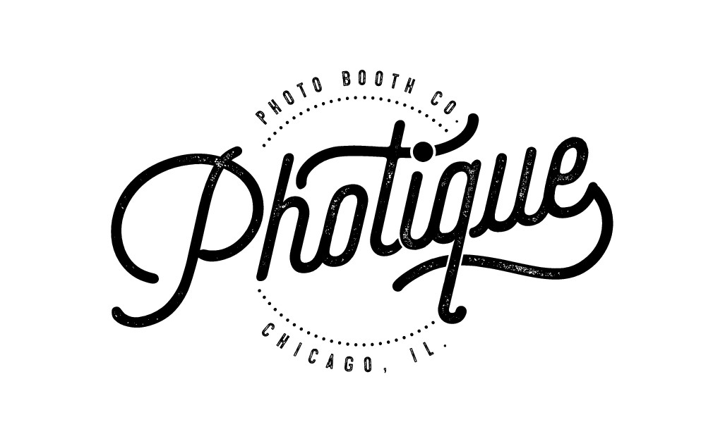 Looking for a eye catching logo for my photo booth company Photique.