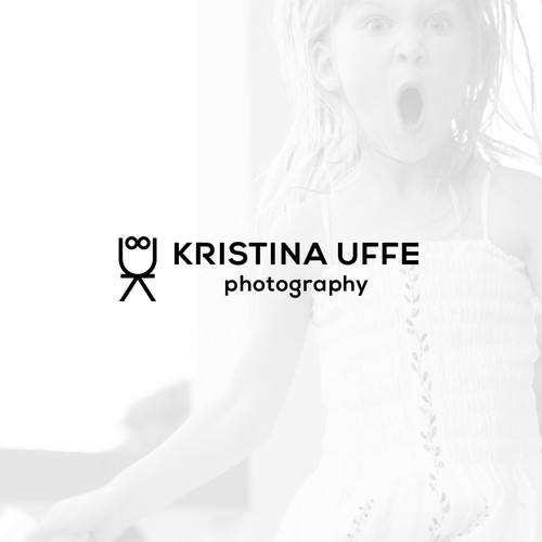 Kid-friendly logo design for a family photographer