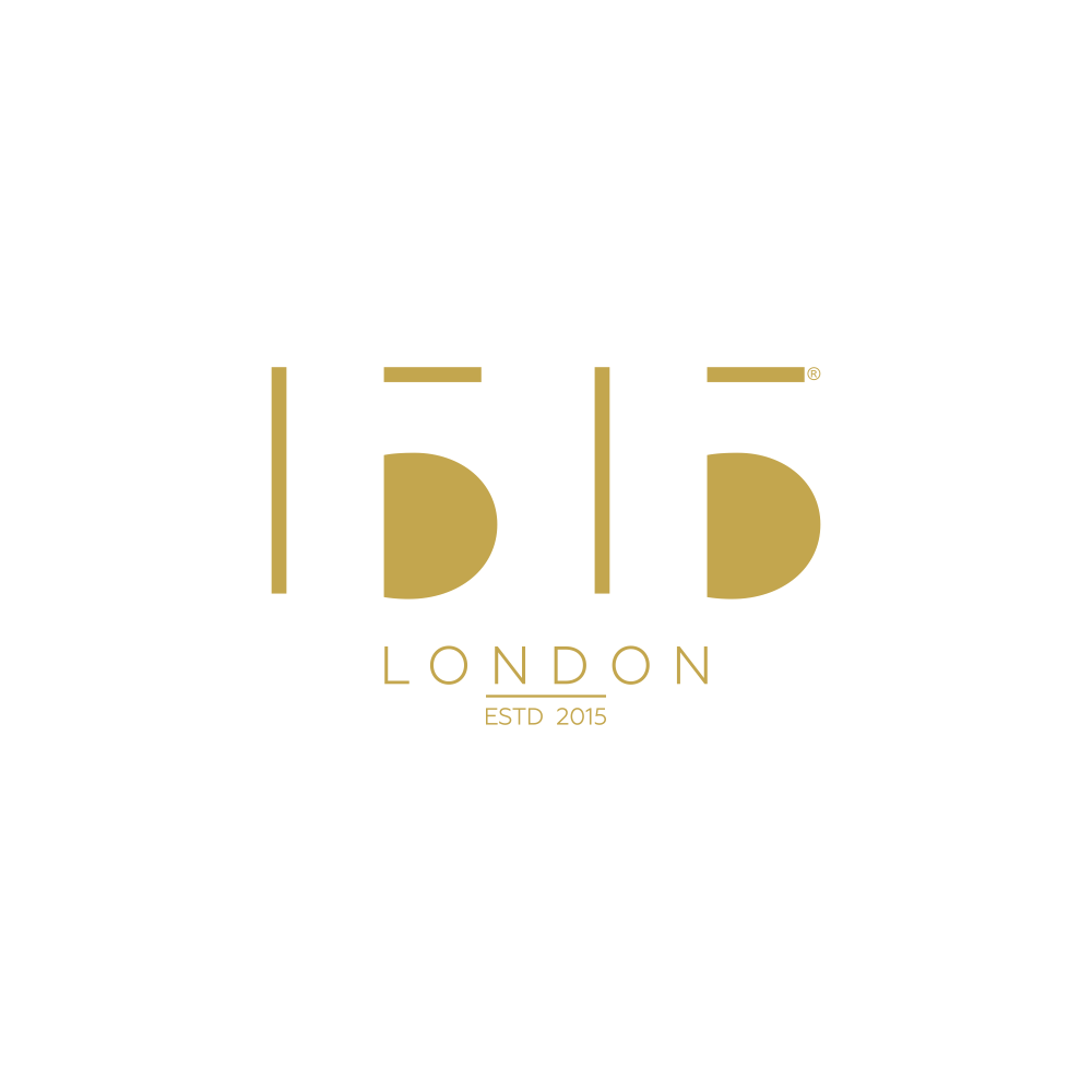 Create a captivating logo for a luxury interior accessories brand