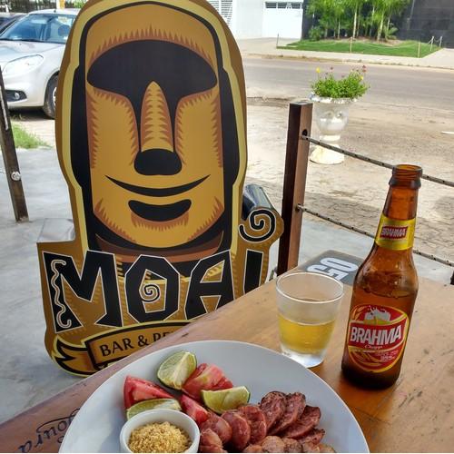 Moai bar & Petiscos Logo and signage