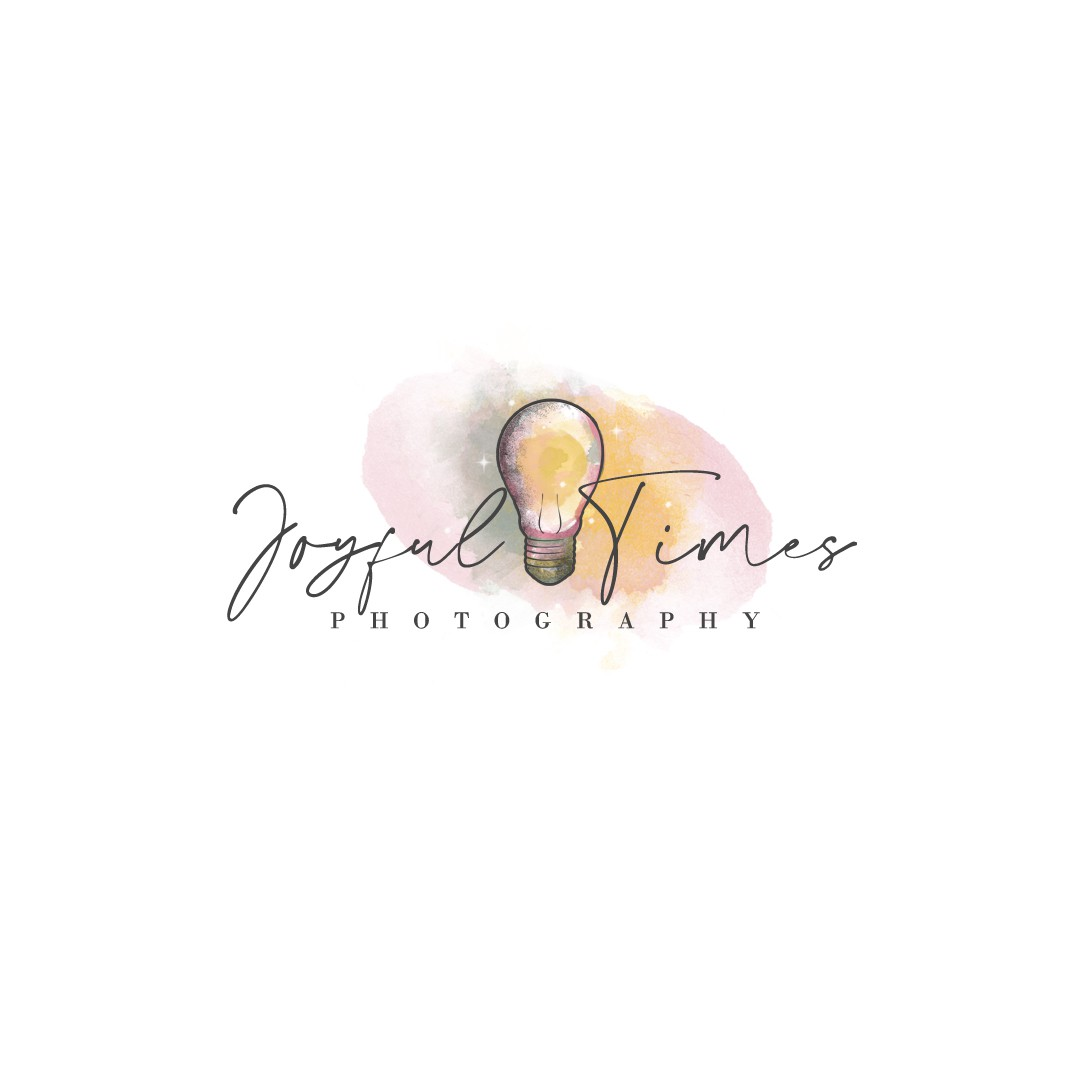 Playful and vintage Lightbulb photography logo needed
