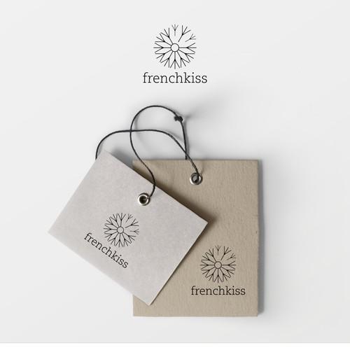 Crie um novo logotipo para marca de moda brasileira boho Frenchkiss (pode sugerir um simbolo tambem!)