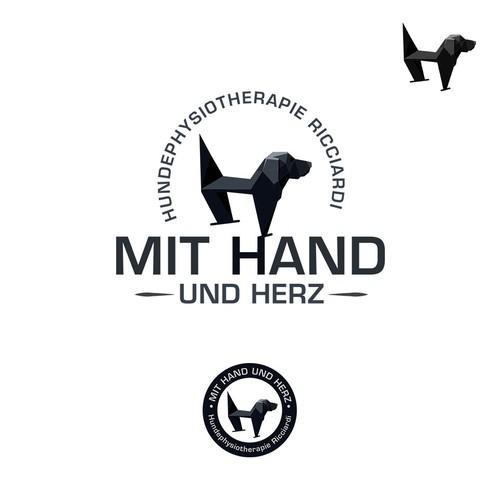 MIT HAND AND HERZ