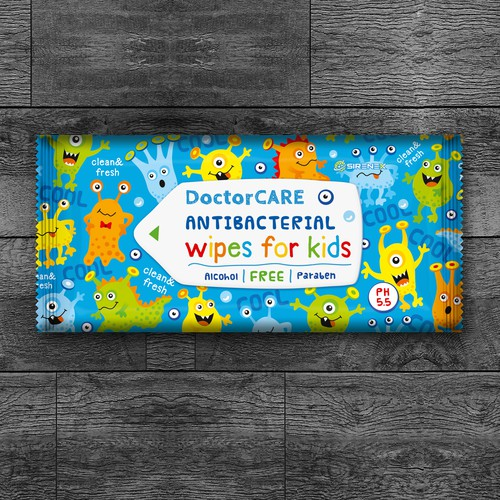 Antibacterial Doctor Care wet wipes for kids