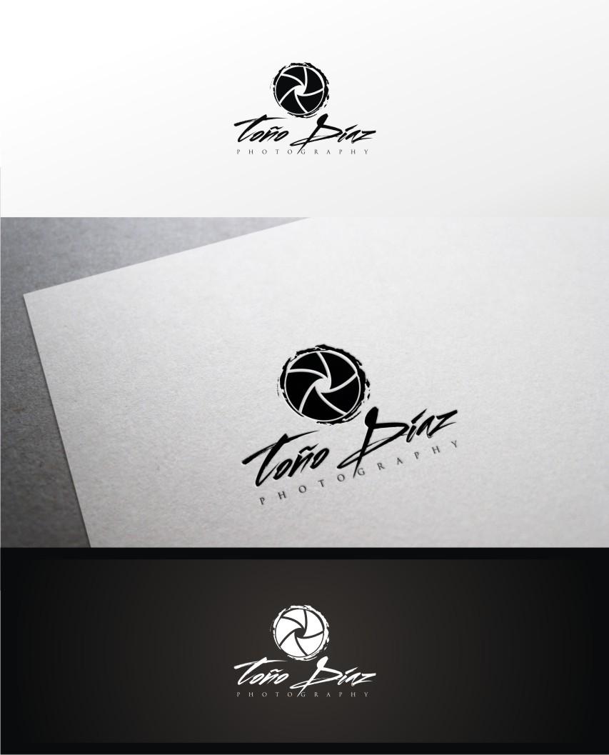 Help Toño Díaz Photography with a new logo