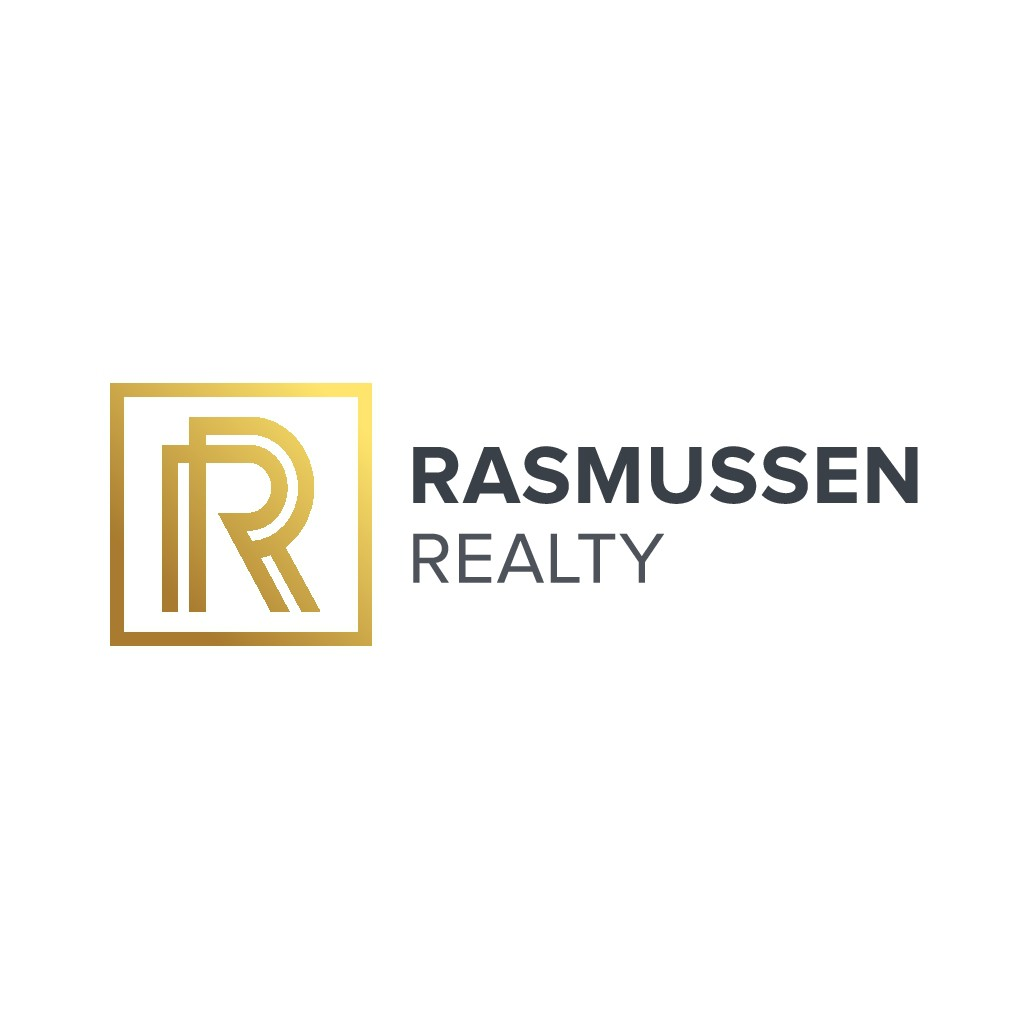 Design a eye catching, high end, clean real estate logo