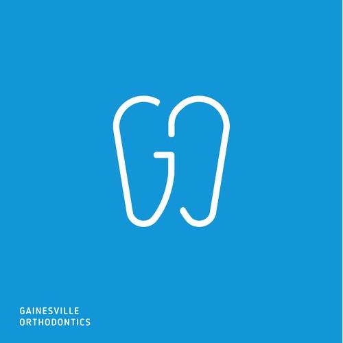 Dentist G + O + Teeth clever clean logo
