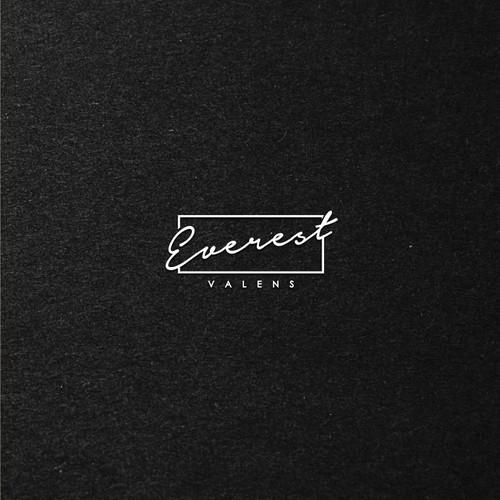 Everest Valens Logo