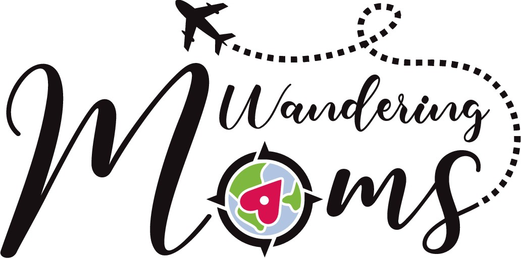 Traveling mommas need a bold and fun logo