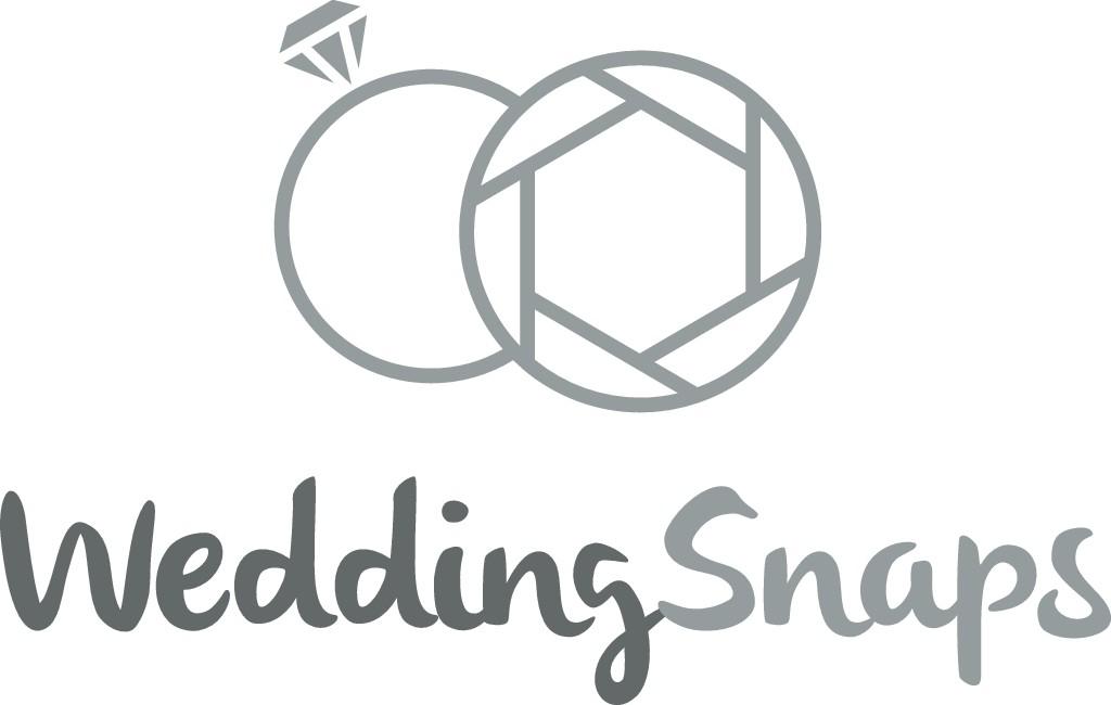 Design a modern and elegant logo for WeddingSnaps