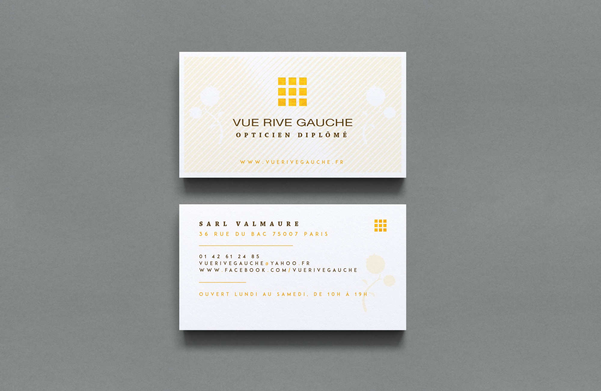 Creating a new business card for a chic optician in Paris