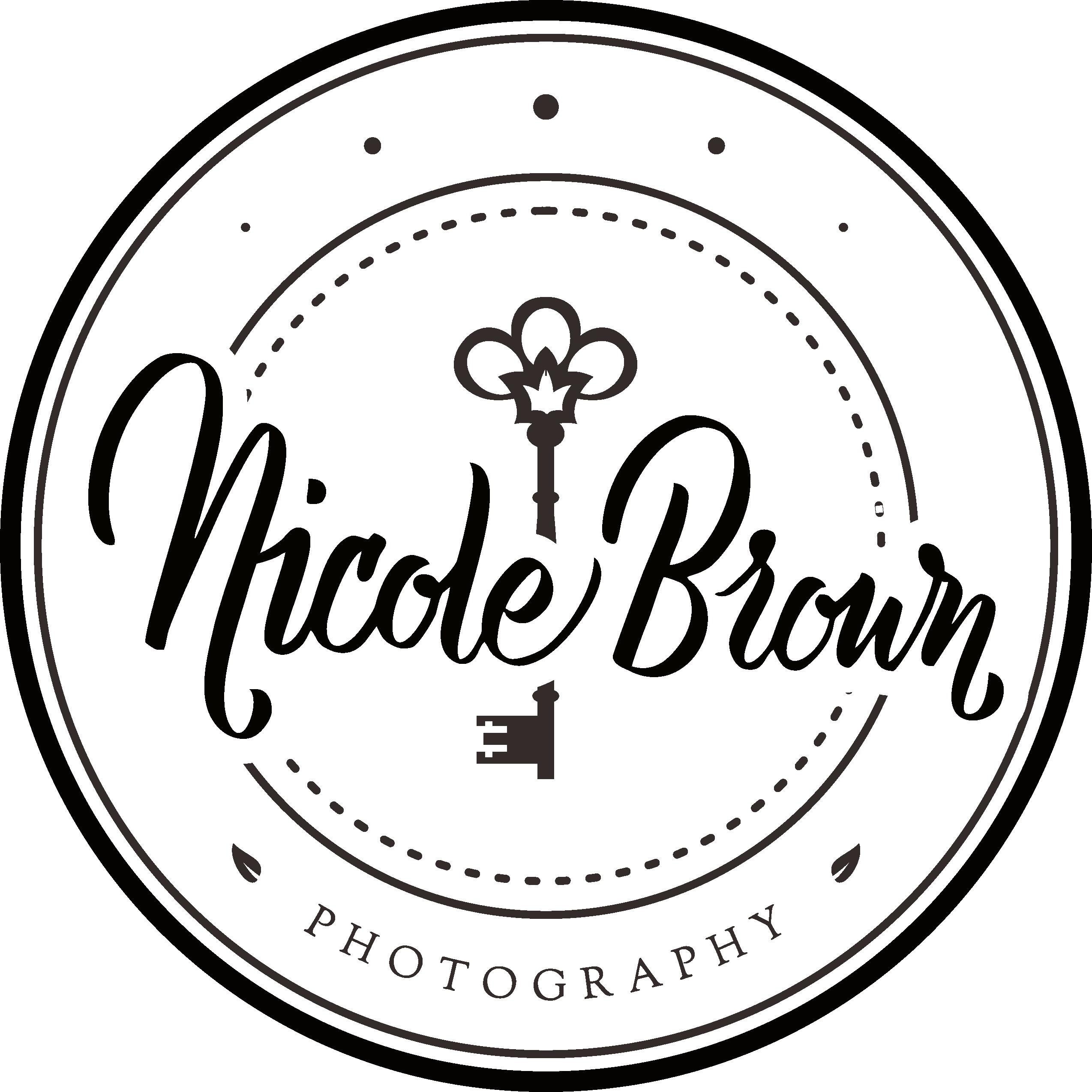 Create a vintage/elegant logo for a wedding and portrait photographer.