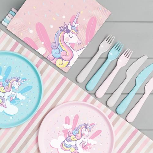Design Unicorn Birthday Party Table Set